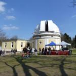Einmeter-Spiegelteleskop mit Besucherzenttrum