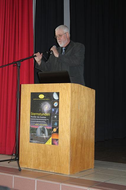 Manfd Holl berichtet von der Bedeutung der Amateurastronomie in Norddeutschland